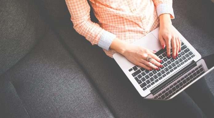 oczernianie firmy w sieci